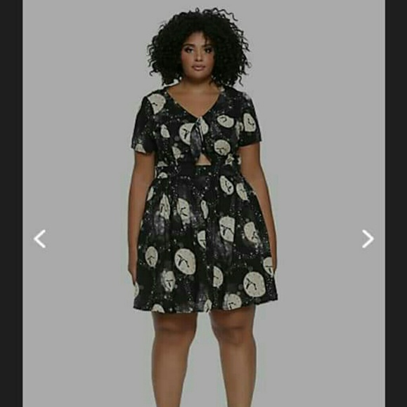 Hot Topic Dresses & Skirts - PETER PAN FRONT TIE DRESS  (PLUS SIZE)
